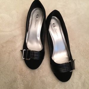 CL by Laundry black wedges, NWOT, size 8.5